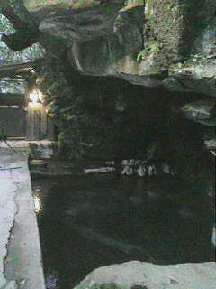 洞窟風呂の静寂