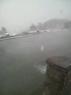 雪のほったらかし温泉