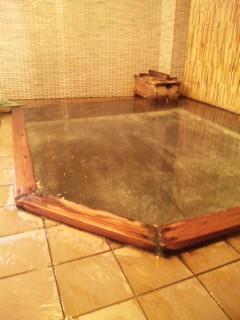 4種類+秘の異なる源泉で、肌ツヤピカ!おもしろ過ぎます、下風呂温泉。