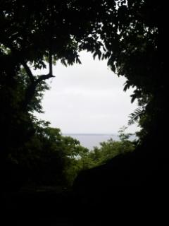 斎場御嶽〜沖縄最高の聖地の光を〜