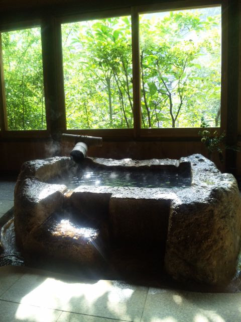 鹿児島県・妙見温泉で取材中です。