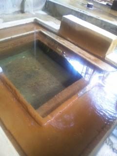 プチプチと泡がはじける、自然湧出のラムネ湯。