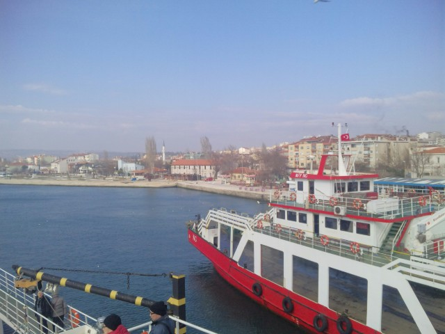 トルコ・マルマラ海を渡って。