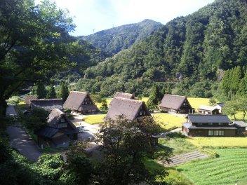 今宵は五箇山温泉です。