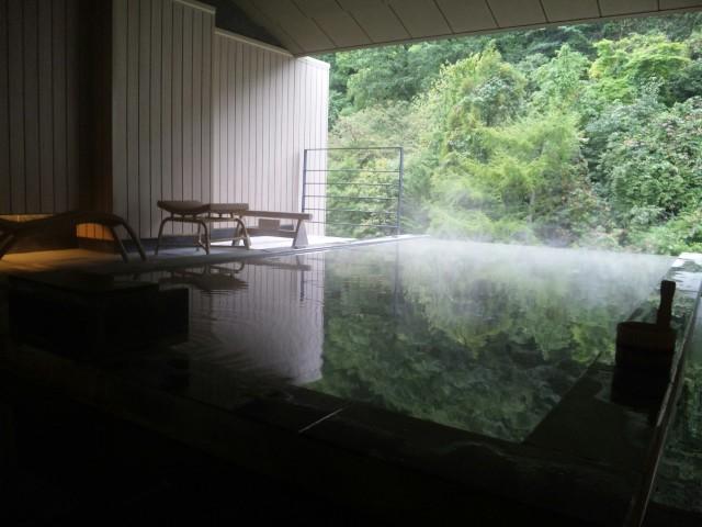 登別温泉を超〜満喫しております。